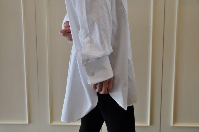 素敵な大人の白いシャツ DRIES VAN NOTEN ._b0110586_19552291.jpg