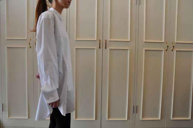 素敵な大人の白いシャツ DRIES VAN NOTEN ._b0110586_19555873.jpg