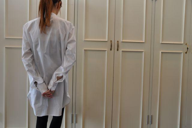 素敵な大人の白いシャツ DRIES VAN NOTEN ._b0110586_1956984.jpg