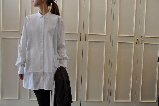素敵な大人の白いシャツ DRIES VAN NOTEN ._b0110586_1957311.jpg