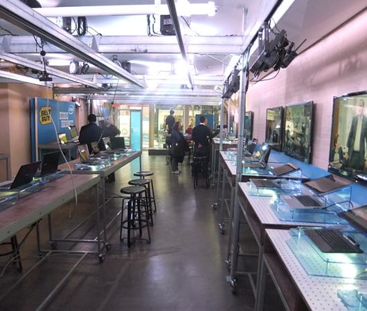 インテルが史上初めてオープンしたお店、Intel Experience Store(ニューヨーク店)の様子_b0007805_1262749.jpg