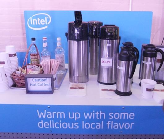 インテルが史上初めてオープンしたお店、Intel Experience Store(ニューヨーク店)の様子_b0007805_1265257.jpg