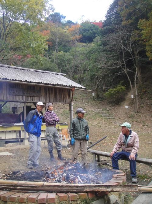 イノシシにやられた階段の補修      by    (TATE-misaki)_c0108460_2036494.jpg