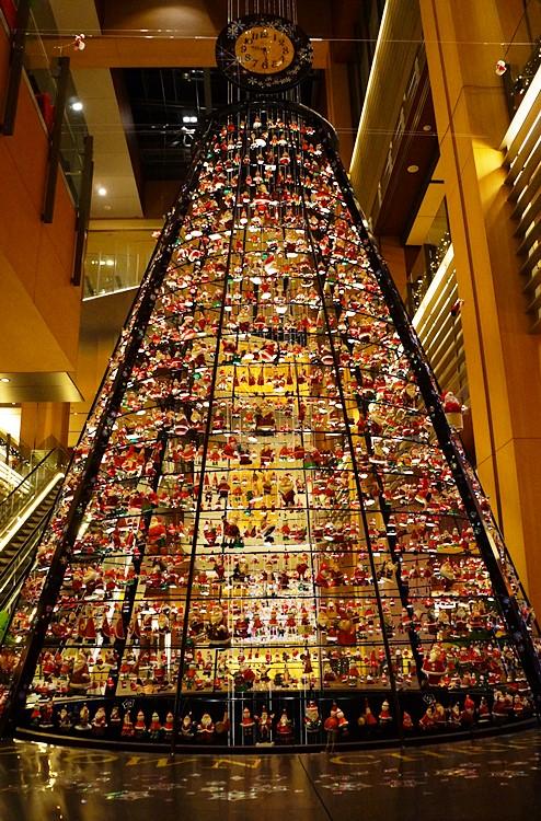 サンタさんがいっぱい!六本木ミッドタウンのクリスマス_b0145398_19393631.jpg