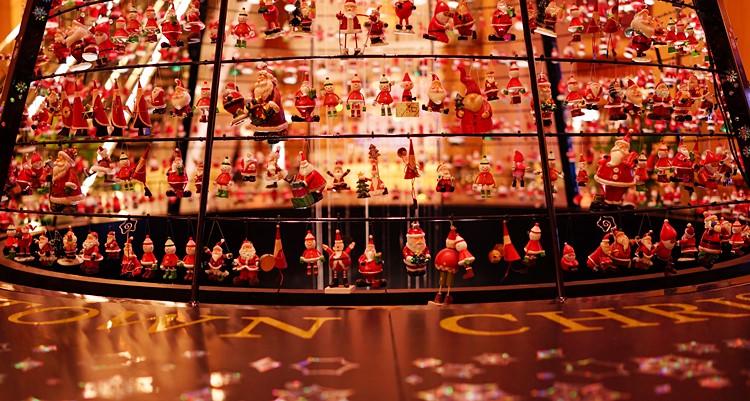 サンタさんがいっぱい!六本木ミッドタウンのクリスマス_b0145398_19564154.jpg