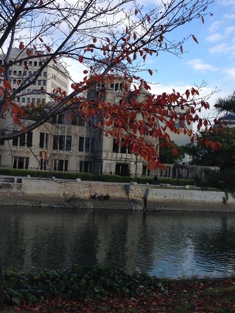 広島平和記念公園を歩いて(*^^*)_a0213806_2335237.jpg