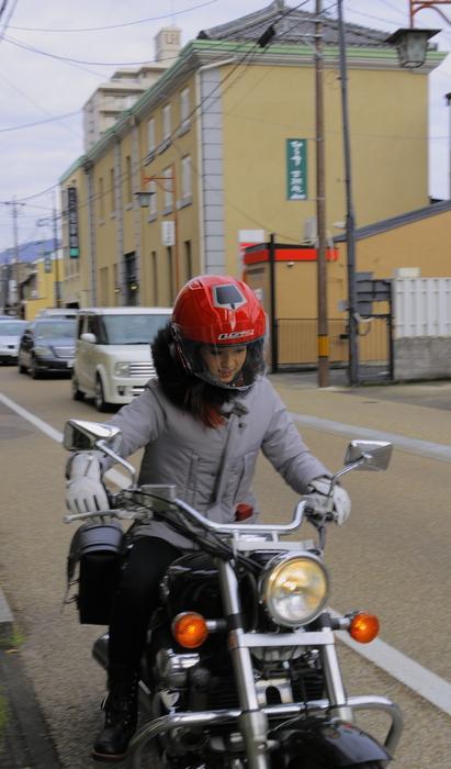 秋色で走るヒヨコ_e0241944_14153337.jpg