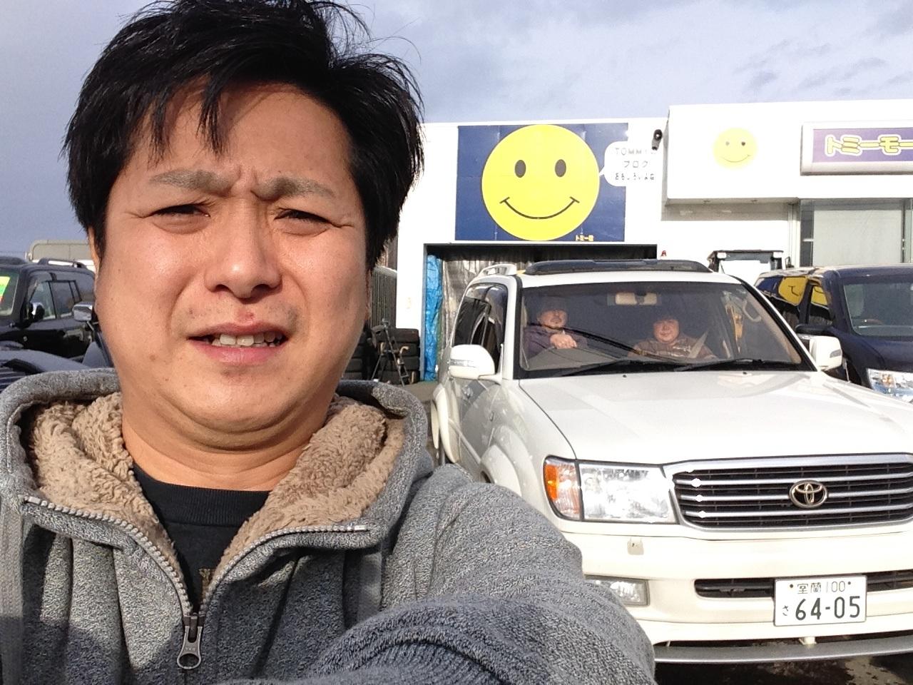 T様シグナス&E様クライスラーご成約~!!阿部ちゃんニコニコブログ★ランクル ハマー アルファード★_b0127002_1833229.jpg