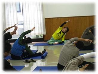 看護職のためのヨーガ体験教室~身体から心へ…リラックスしましょう_d0250505_1327362.jpg