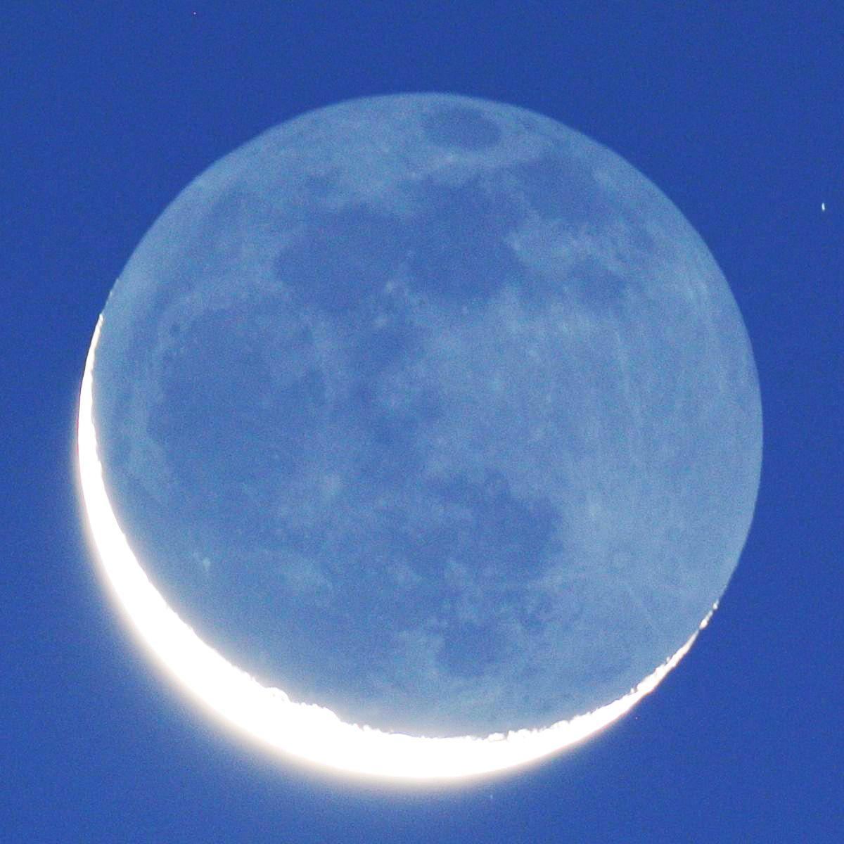 2013年12月1日の月(地球照)_e0089232_14274155.jpg