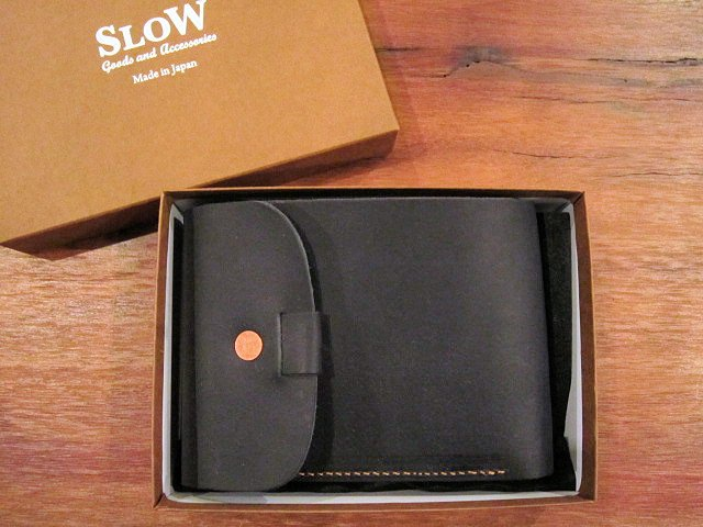 "SLOW ""toscana~flap hold wallet\"" ご紹介_f0191324_1132342.jpg"