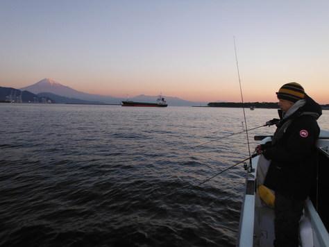 本日は遊漁船営業!!_f0175450_1950236.jpg