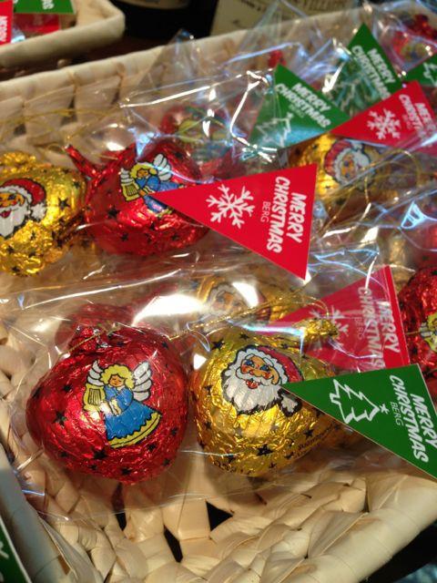 限定チョコレート♪ツリーに飾れる!オーナメントチョコとサンタ&くまさんチョコ♪♪_c0069047_2115364.jpg