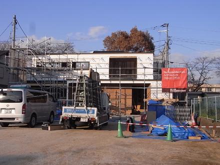 『プールサイドの家』 屋根板金工事が完了。_e0197748_1745988.jpg