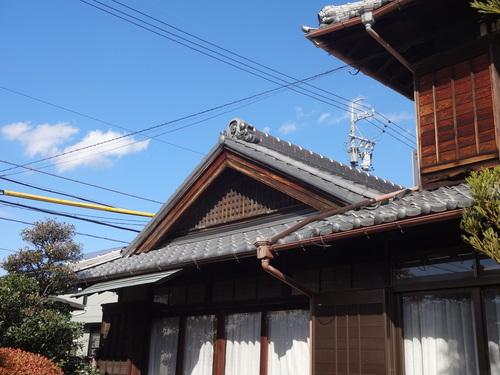 入母屋屋根の瓦葺き替え(完)_c0128774_17242458.jpg