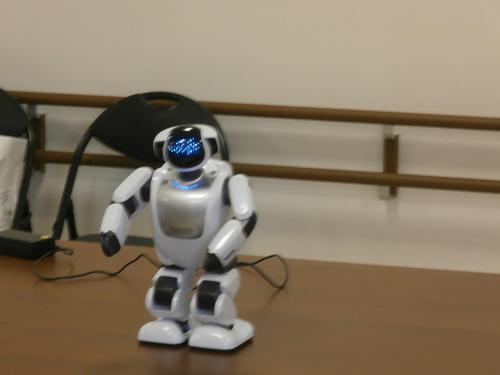 介護ロボット_a0135191_18404447.jpg