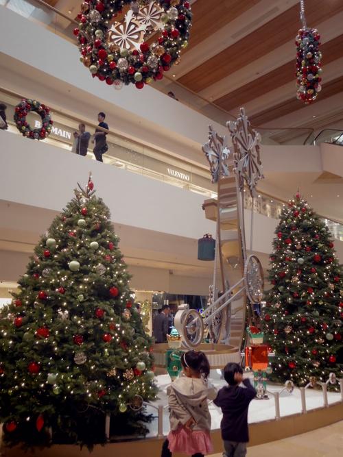 Pacific Place(太古廣場)の素敵なクリスマスデコレーション_e0123104_2212126.jpg