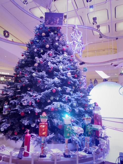 Pacific Place(太古廣場)の素敵なクリスマスデコレーション_e0123104_23233924.jpg