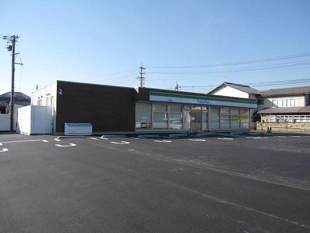 ファミリーマート上田店完成!_e0159249_14123556.jpg