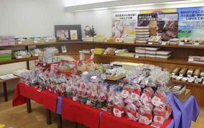 本格ケーキを手ごろな値段で♪「シャトレーゼ会津門田店」_d0250986_11432711.jpg