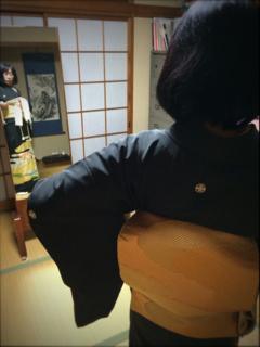 黒留袖の着付け_f0110089_1174582.jpg