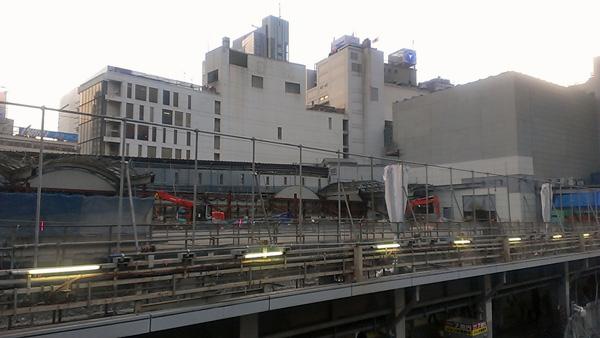 解体が進む旧東急渋谷駅_a0000006_23411387.jpg