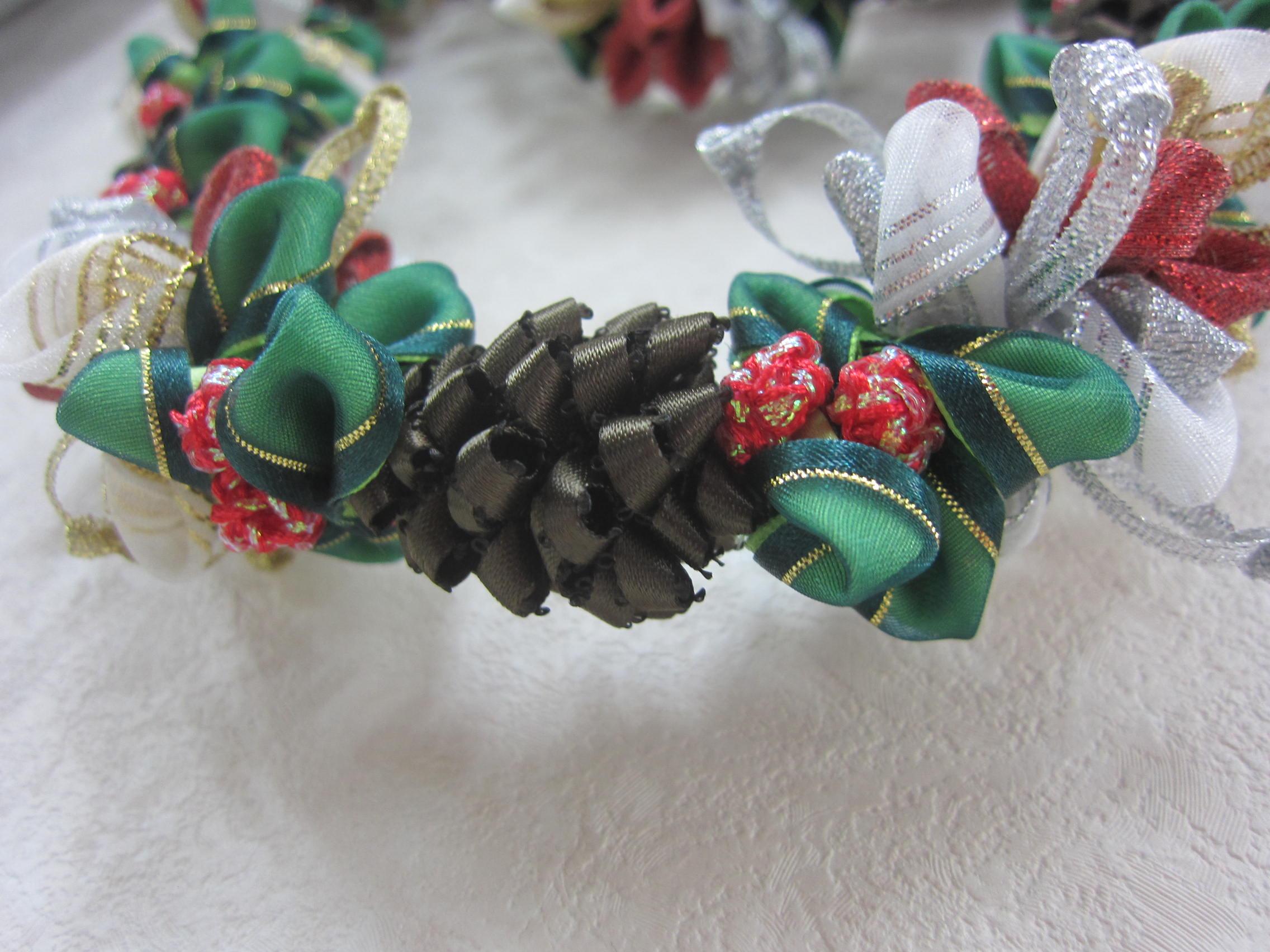 クリスマスリボンレイ_b0219170_1627213.jpg