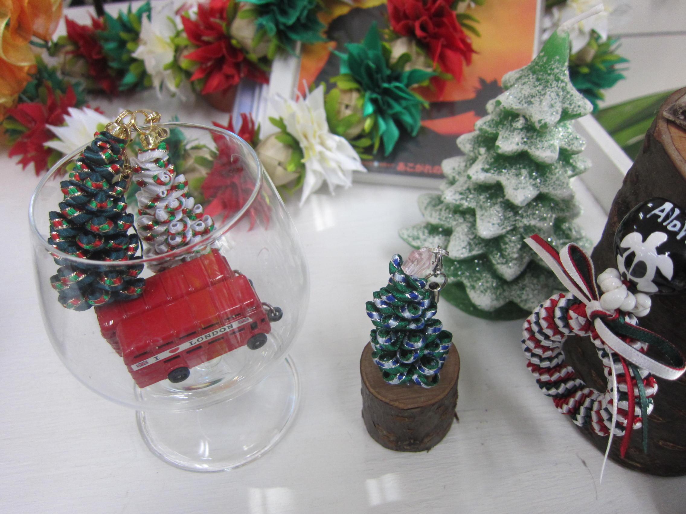 クリスマスリボンレイ_b0219170_16274943.jpg