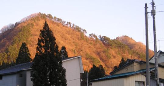金色に輝く広岨(昭和に活躍したスキー場跡)_f0048770_22513742.jpg