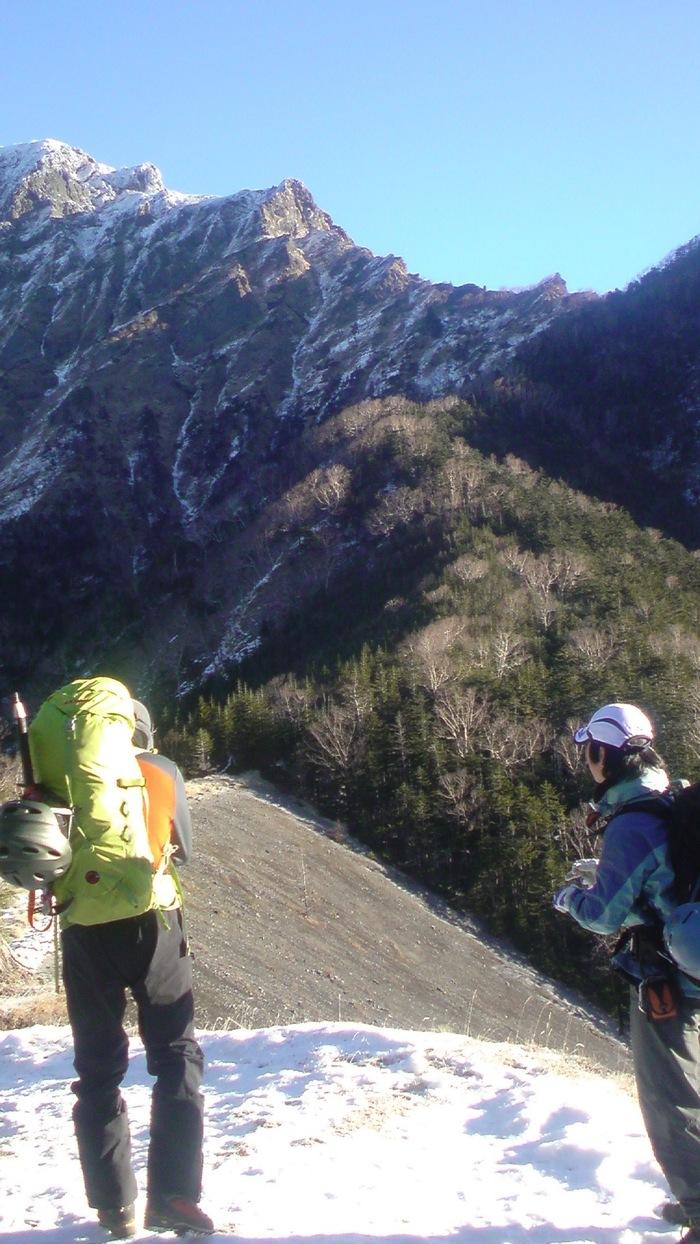 バリエーションルート入門編 初冬の阿弥陀岳南陵 : 今日もどこかでスナフキン