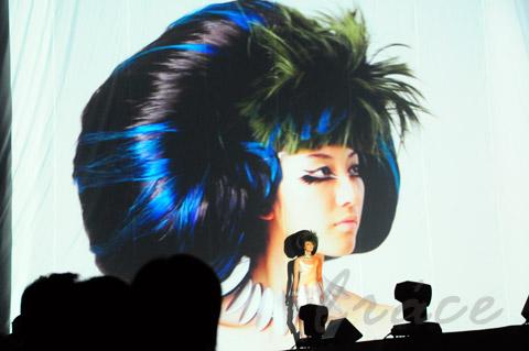 【CONTEST】SPC全日本理美容選手権 決勝大会2013 アーティスティックで華麗なヘアショーステージ!_c0080367_11480265.jpg