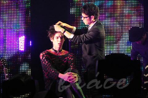 【CONTEST】SPC全日本理美容選手権 決勝大会2013 アーティスティックで華麗なヘアショーステージ!_c0080367_12015527.jpg