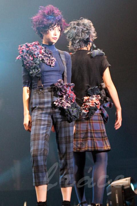 【CONTEST】SPC全日本理美容選手権 決勝大会2013 アーティスティックで華麗なヘアショーステージ!_c0080367_13481916.jpg