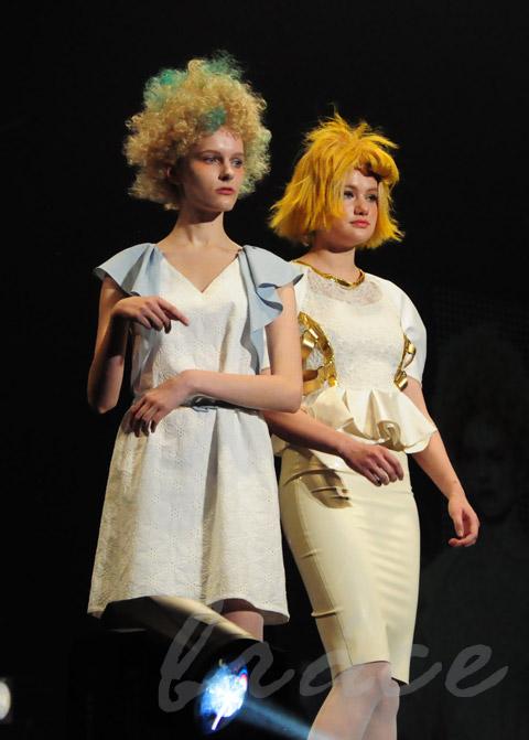 【CONTEST】SPC全日本理美容選手権 決勝大会2013 アーティスティックで華麗なヘアショーステージ!_c0080367_13511547.jpg