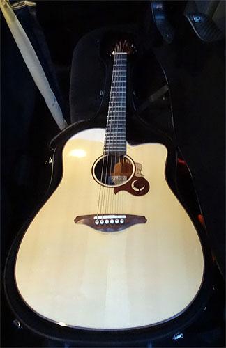 自宅近所でソロ・ギターのコンサート、それから・・・_c0137404_211314.jpg