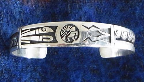Hopi族のBerra Tawahongva製作の「Guitar型Pendant」!_e0053731_1855195.jpg