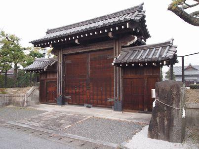 京都「八重の桜」巡り・その3_d0079440_1854270.jpg