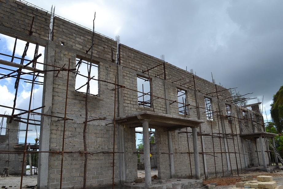 The construction of Pemba Budokan -13- ~ペンバ武道館建設の様子 _a0088841_2237678.jpg