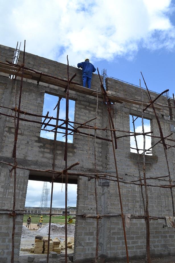 The construction of Pemba Budokan -13- ~ペンバ武道館建設の様子 _a0088841_22422421.jpg