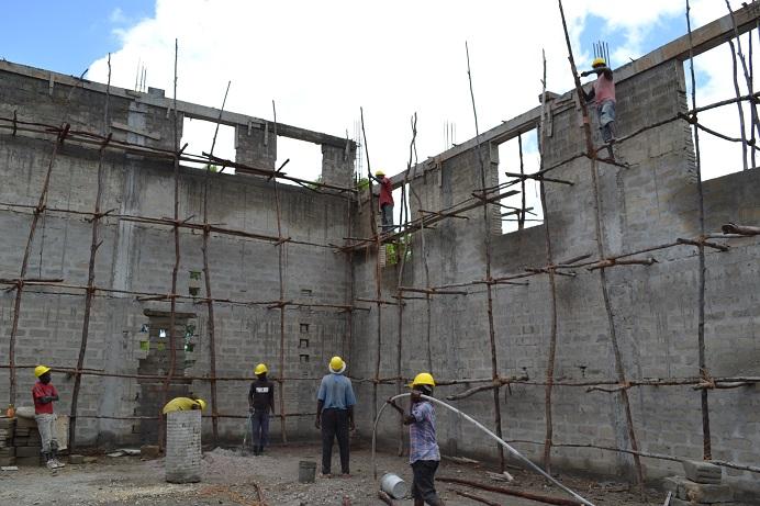 The construction of Pemba Budokan -13- ~ペンバ武道館建設の様子 _a0088841_22431353.jpg