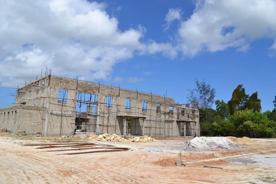 The construction of Pemba Budokan -13- ~ペンバ武道館建設の様子 _a0088841_22472012.jpg
