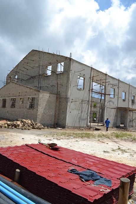 The construction of Pemba Budokan -14- ~ペンバ武道館建設の様子  _a0088841_2314713.jpg