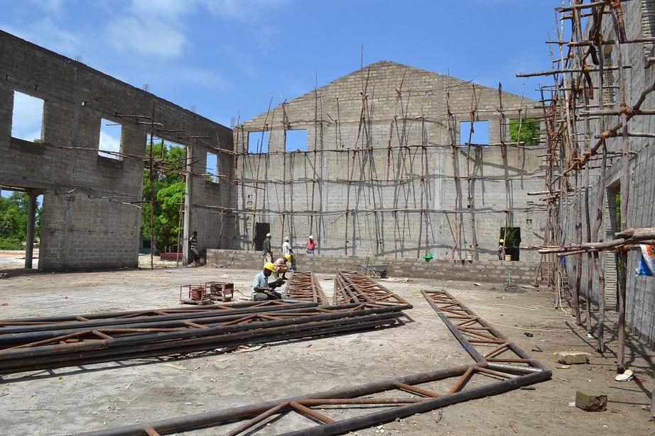 The construction of Pemba Budokan -14- ~ペンバ武道館建設の様子  _a0088841_23335.jpg