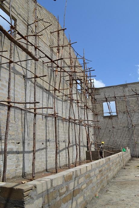 The construction of Pemba Budokan -14- ~ペンバ武道館建設の様子  _a0088841_2341866.jpg