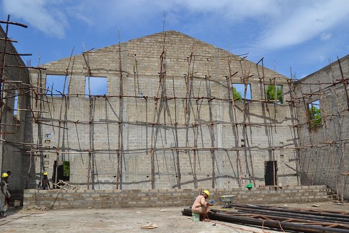 The construction of Pemba Budokan -14- ~ペンバ武道館建設の様子  _a0088841_2342686.jpg