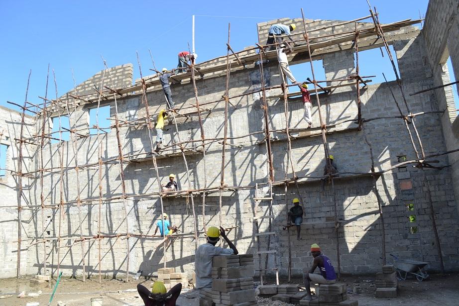 The construction of Pemba Budokan -14- ~ペンバ武道館建設の様子  _a0088841_2363994.jpg