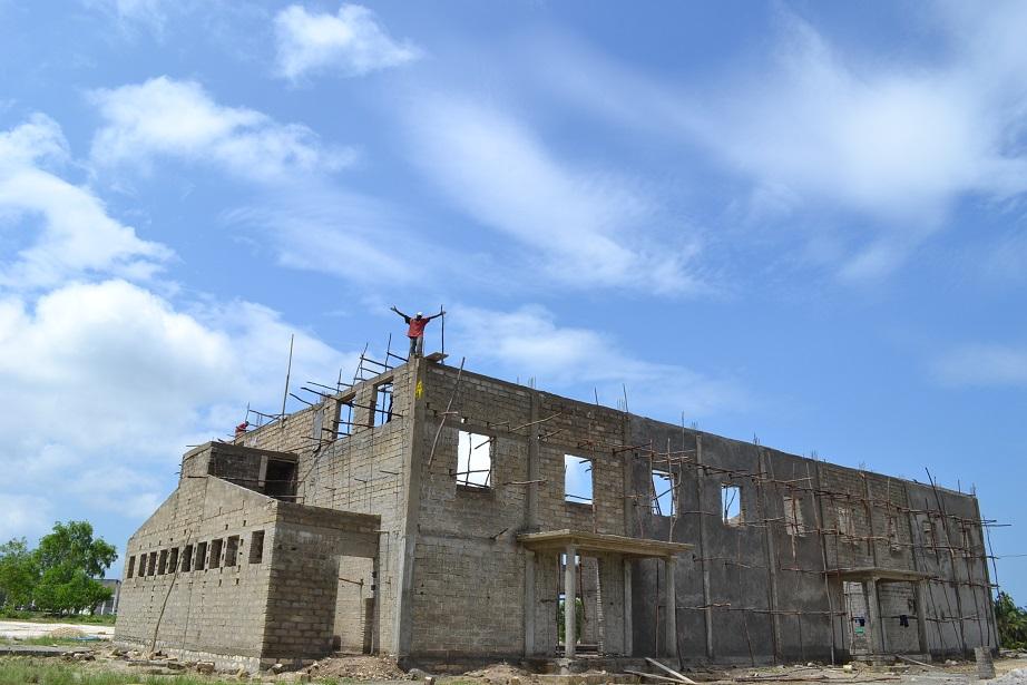 The construction of Pemba Budokan -14- ~ペンバ武道館建設の様子  _a0088841_238899.jpg