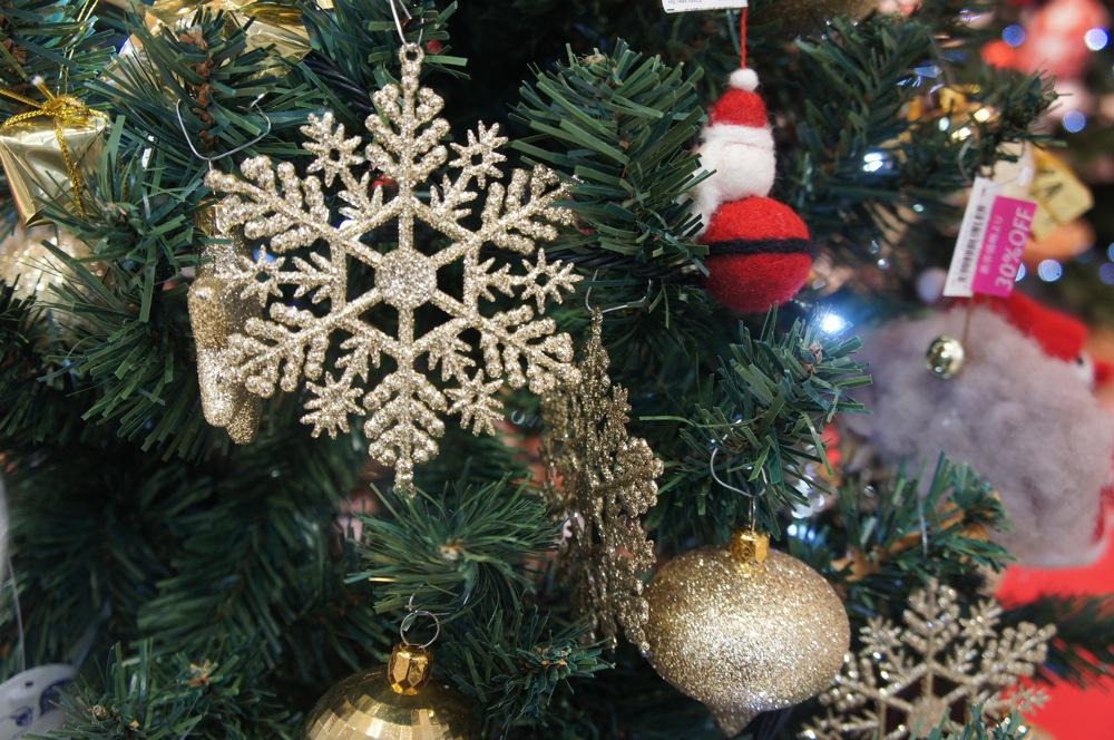 クリスマスの雰囲気をちょっとだけ・・_d0001843_23223398.jpg