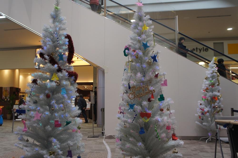 クリスマスの雰囲気をちょっとだけ・・_d0001843_23241867.jpg