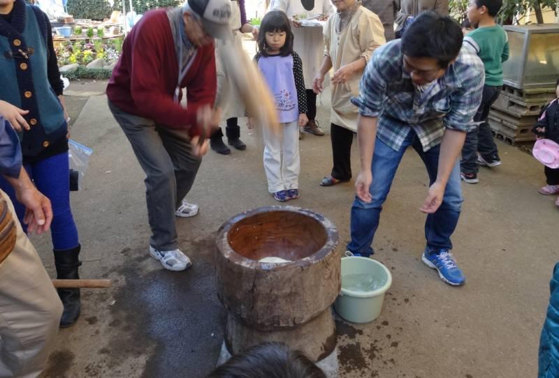 華農園秋の収穫祭と神明宮しめ縄奉納_f0059673_18565562.jpg
